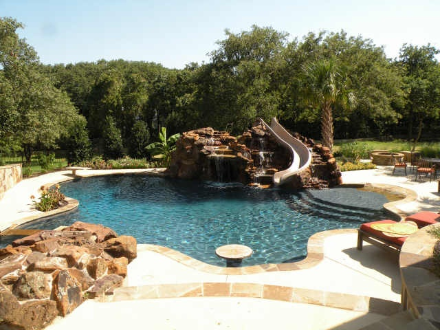 Prepare for texas pool season with these outdoor space for Small backyard oasis