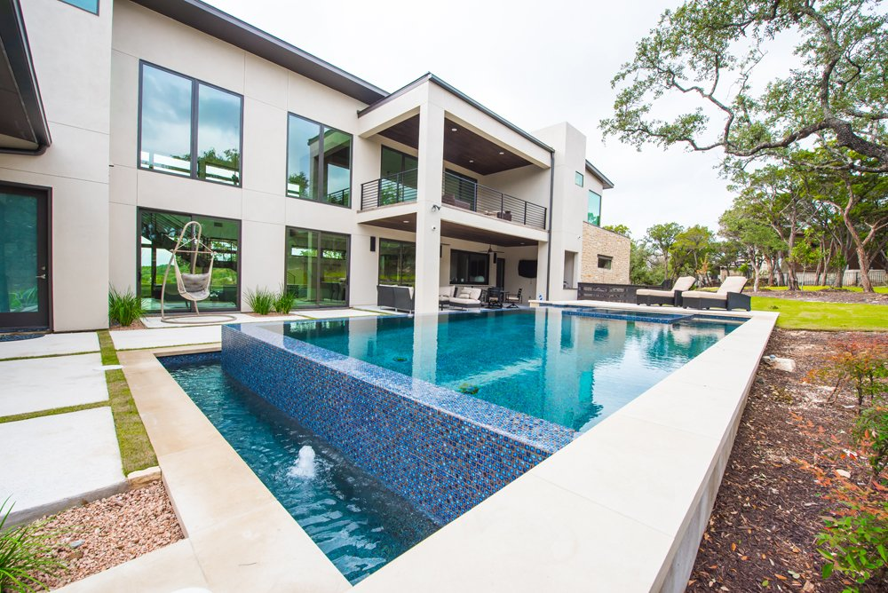 Top 7 Austin Luxury Pool Features | San Antonio | Central ...